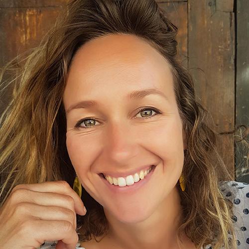 École de yoga professeur Maud Girod en renfort